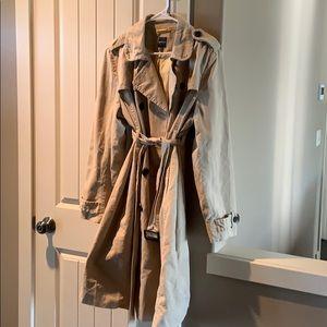 Gap Maternity trench coat XL